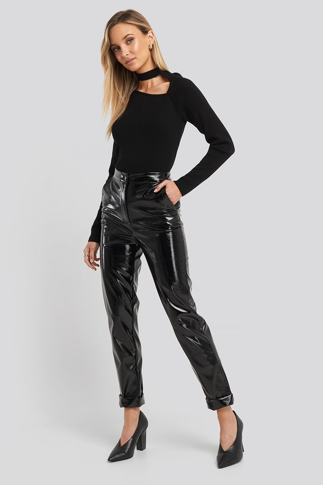 Collar Cut Out Detailed Top Black Outfit