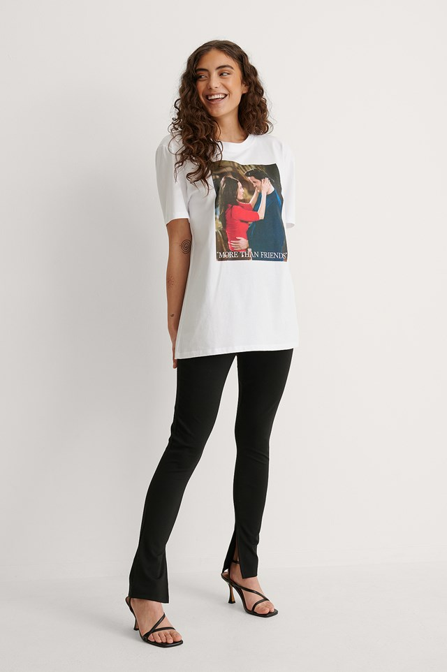FRIENDS Unisex Print Tee Outfit