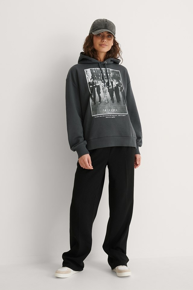 FRIENDS Oversized Printed Hoodie Outfit