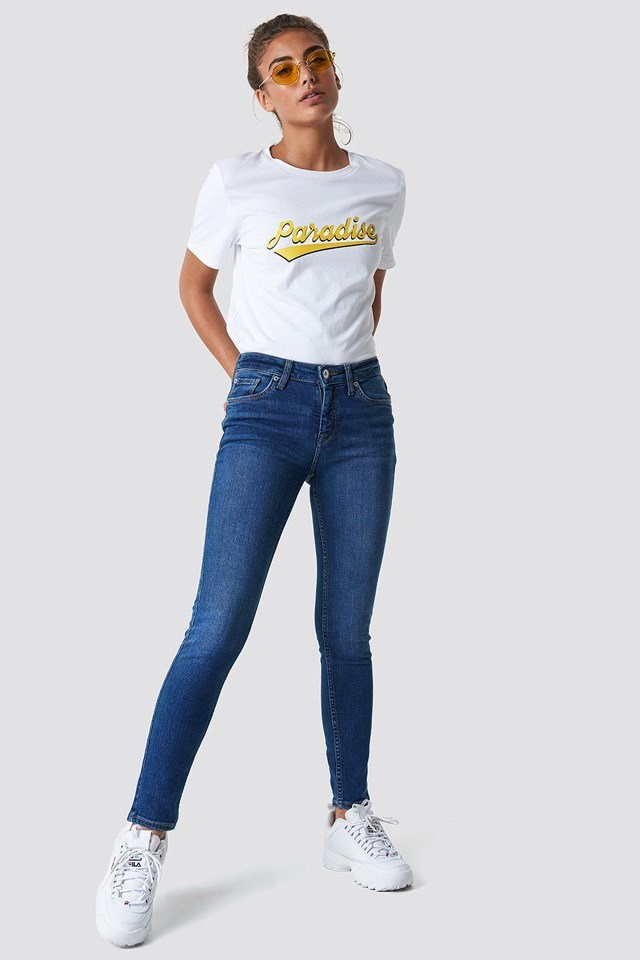Slim and Stretchy Fit Jeans with trendy T-shirt