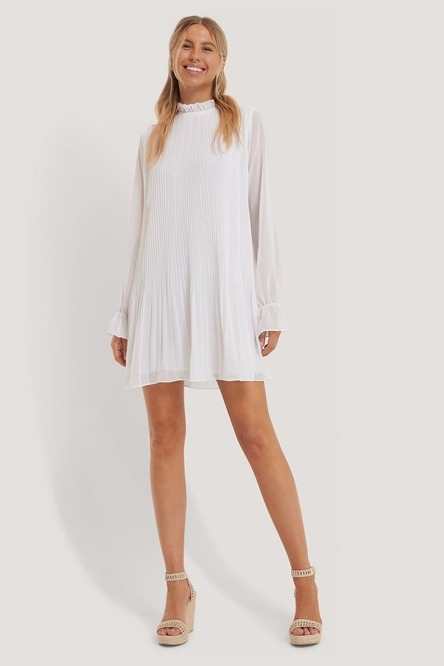 MINI PLEATED WHITE DRESS