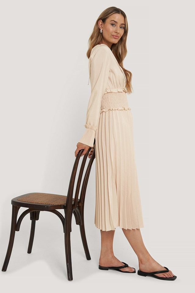 Smock Waist Pleated Dress Outfit