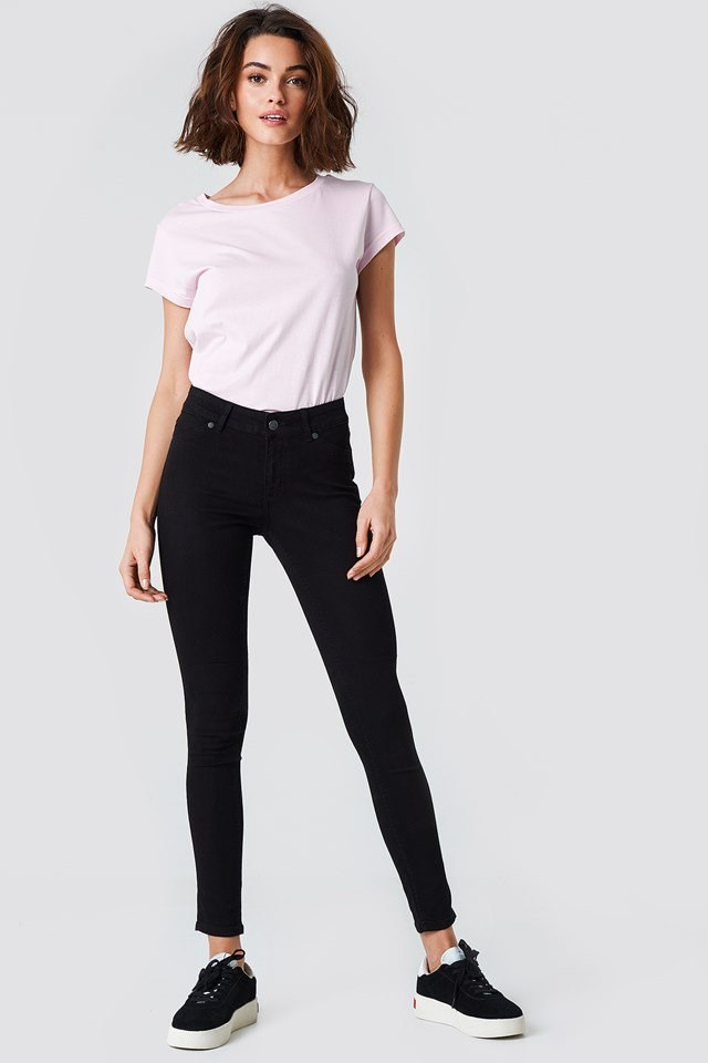 Mid Spray Black Jeans Outfit