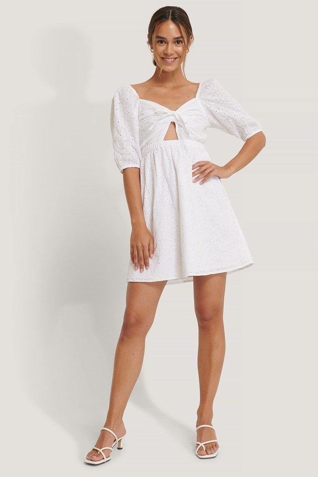 Bow Anglaise Dress Outfit