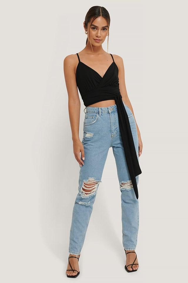 Ripped Knee Jeans Outfit