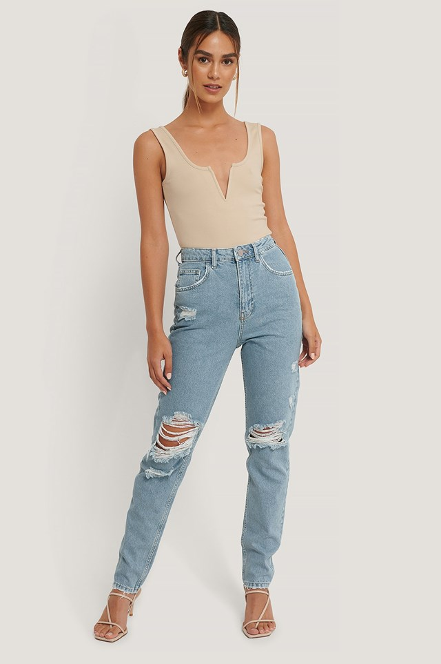 Deep V-cut Body Outfit