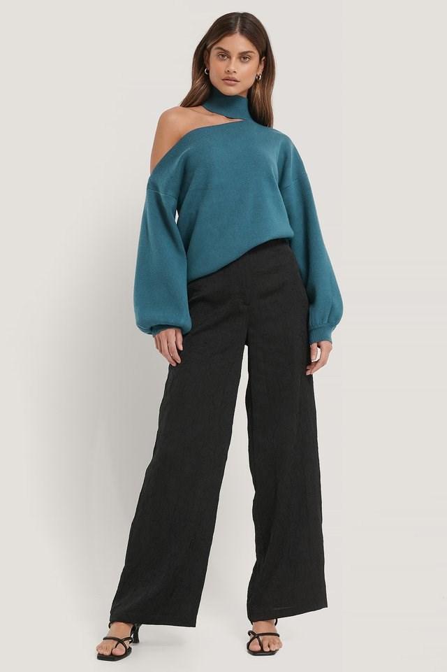 Choker Neck One Sleeve Sweater