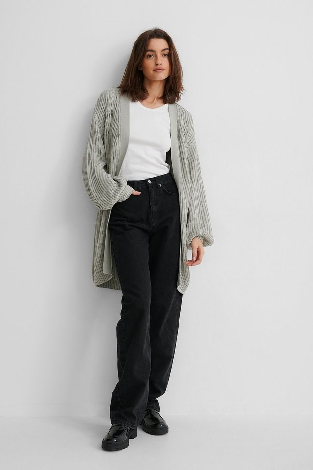 Oversized Knitted Cardigan Outfit.