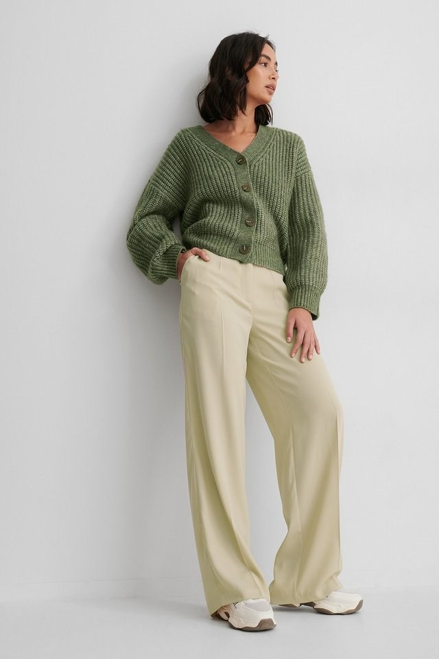 Short Knitted Cardigan Outfit.