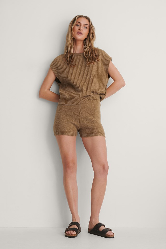 Ribbed Knitted Vest Outfit.