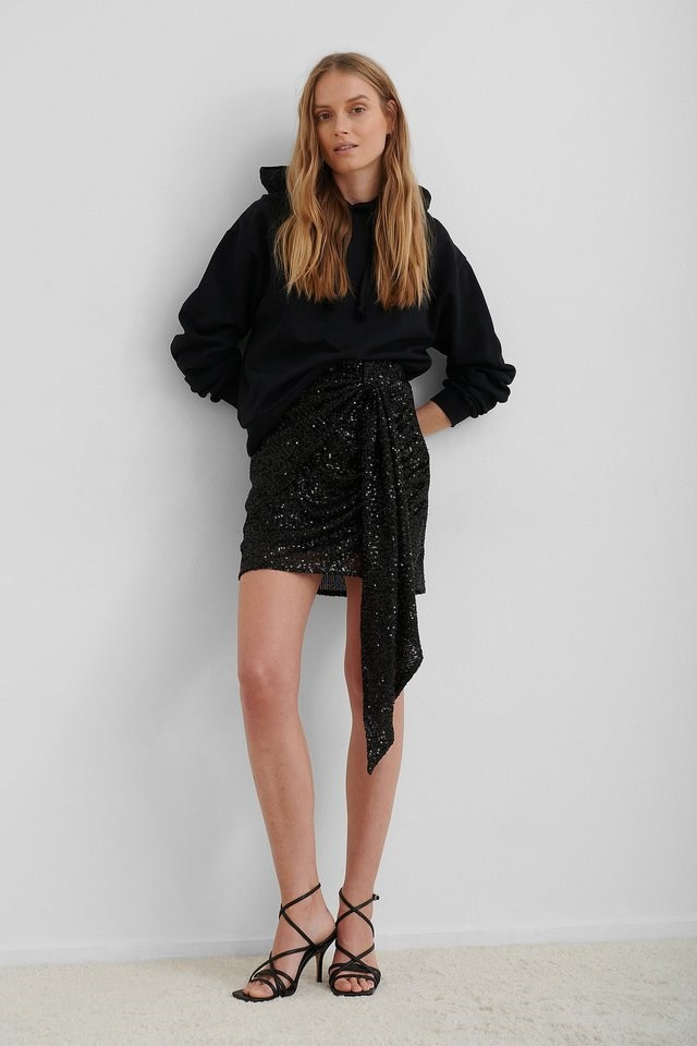 Drapy Glitter Skirt Outfit.