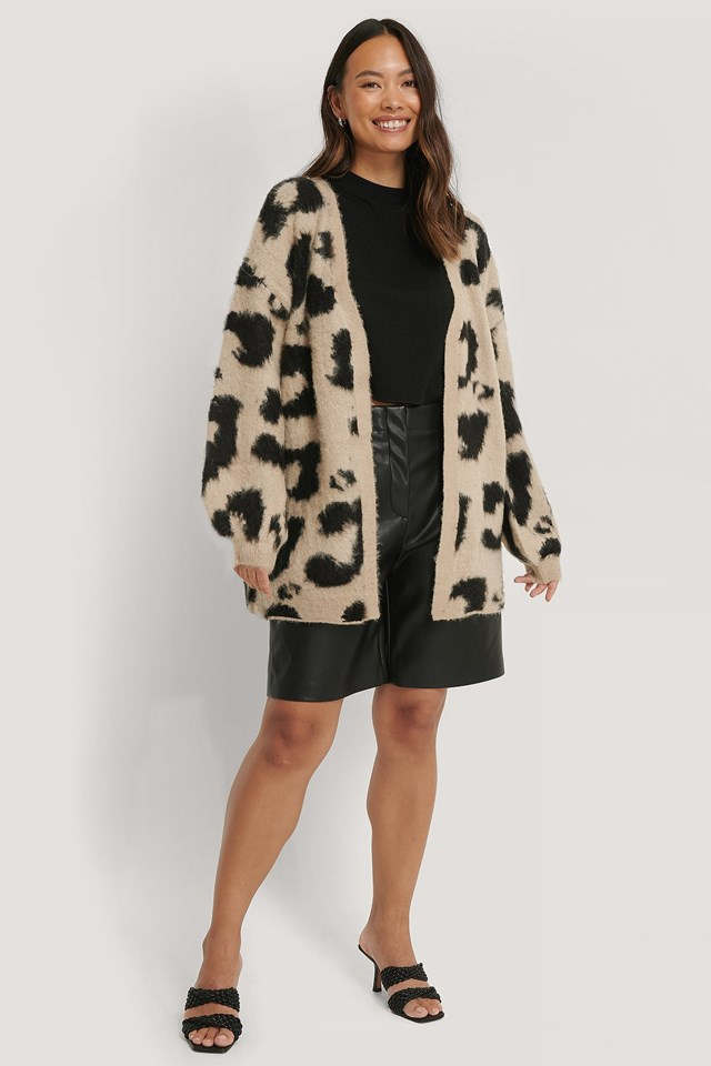Leo Knitted Oversized Brushed Cardigan Outfit.