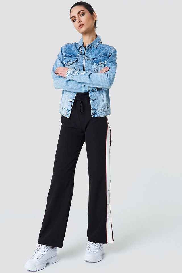 Sporty Jogger Pants Outfit