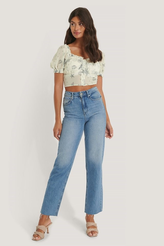 Cropped Flounce Detail Blouse Outfit.