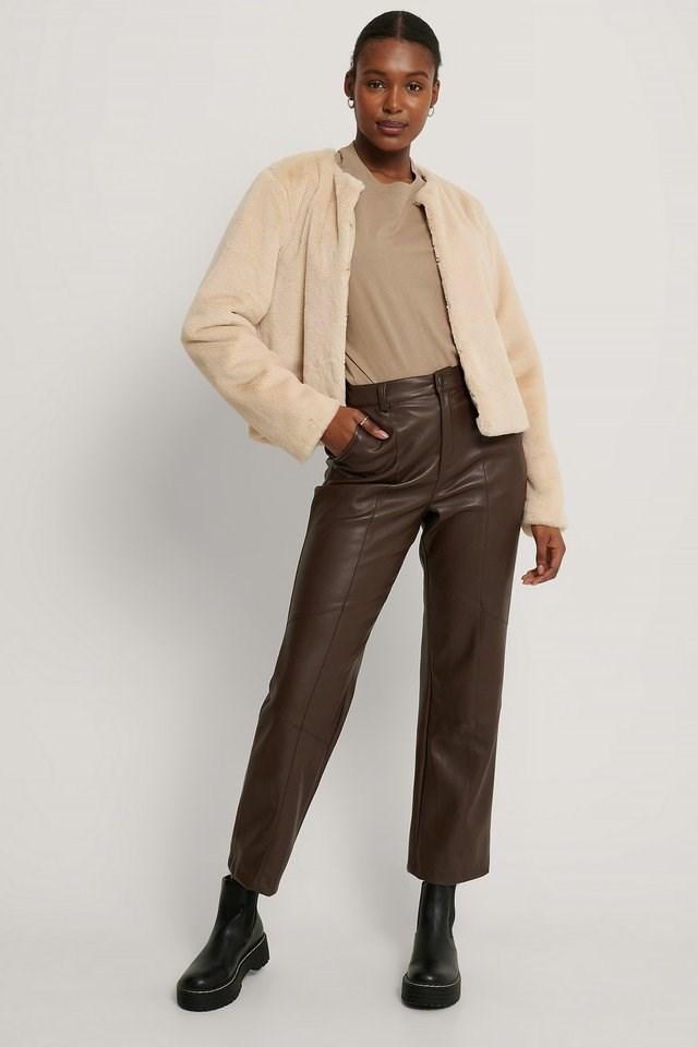 Short Faux Fur Jacket Beige.