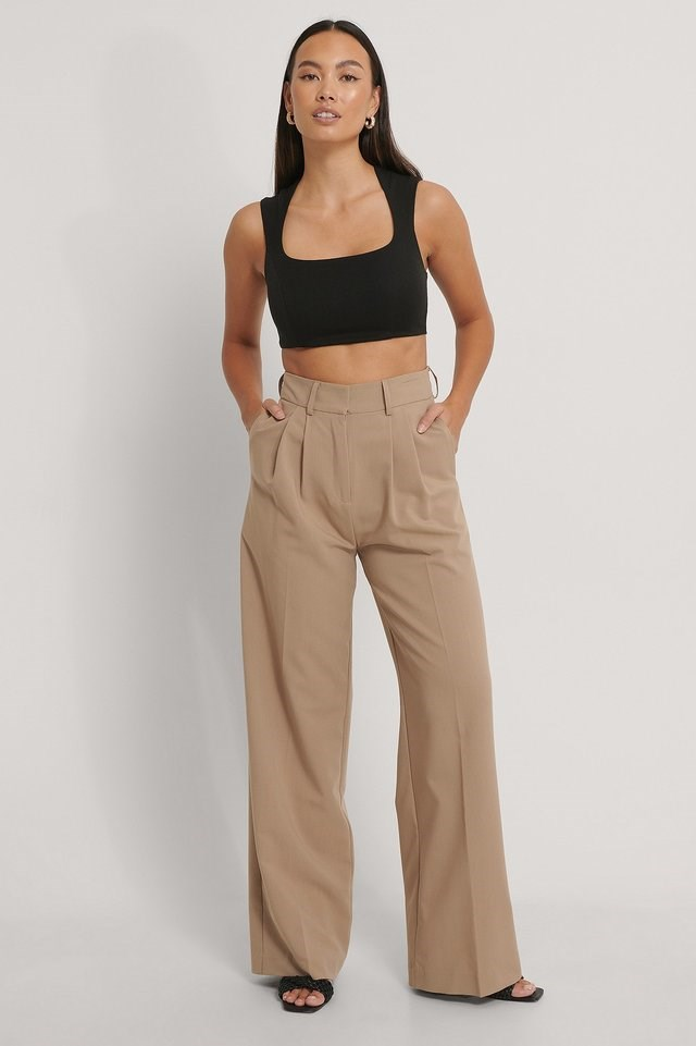 Wide Strap Cropped Top Outfit.
