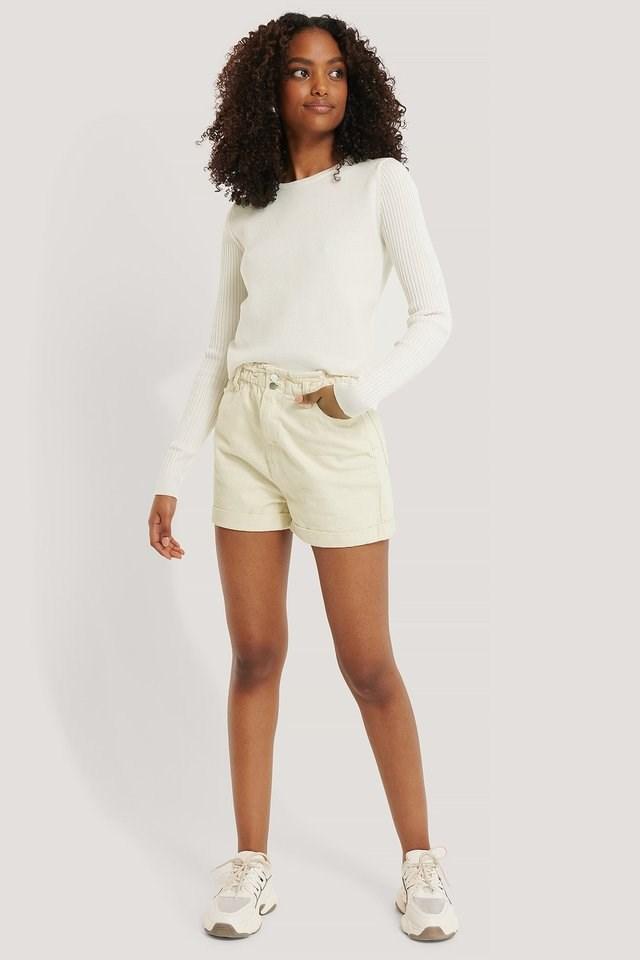 Elastic Waist Denim Shorts Outfit.