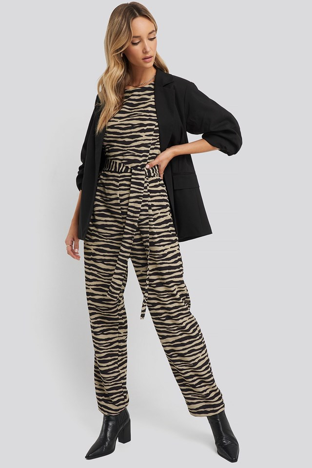 Puff Sleeve Belted Jumpsuit Outfit.