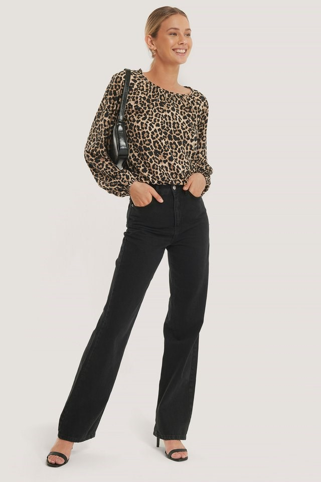 Balloon Sleeve Leo Blouse Outfit.