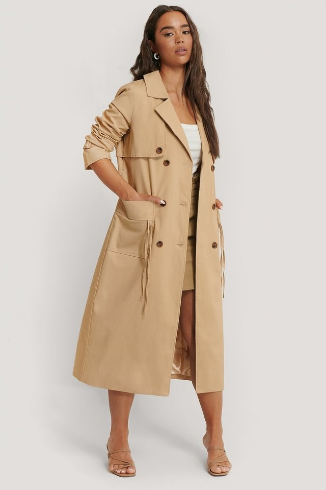 Double Breasted Trenchcoat Beige.