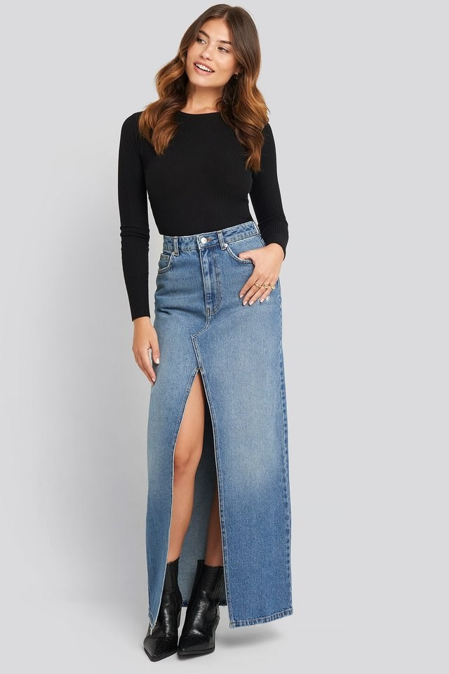 Front Split Maxi Denim Skirt Outfit.