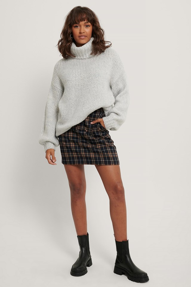 A-line Checkered Mini Skirt Outfit.