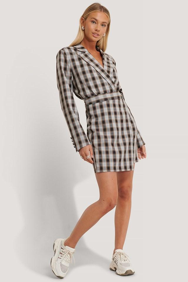 Asymmetrical Mini Skirt Outfit.