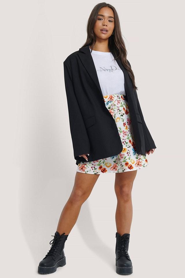 Elastic Waist Flowy Mini Skirt Outfit.