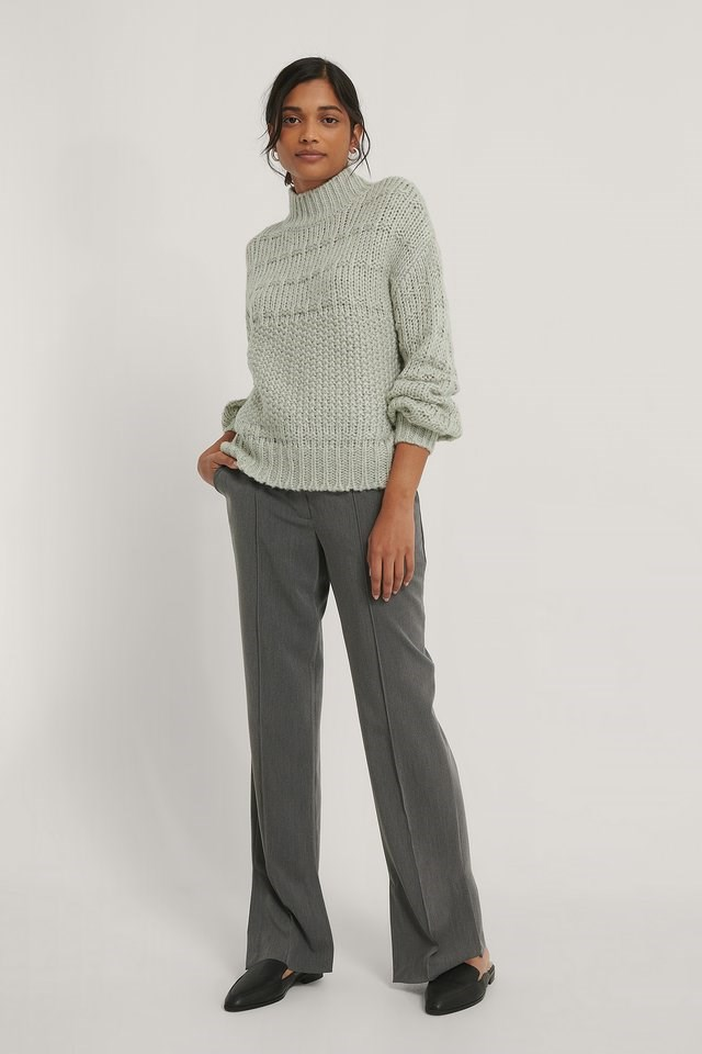 Chunky Knitted Sweater Outfit.