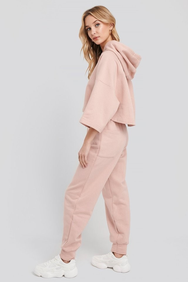 Half Sleeve Cropped Hoodie Outfit.