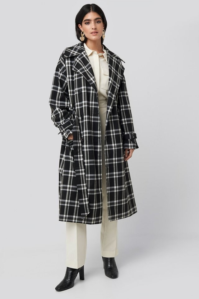 Plaid Oversized Belted Coat Black Outfit.