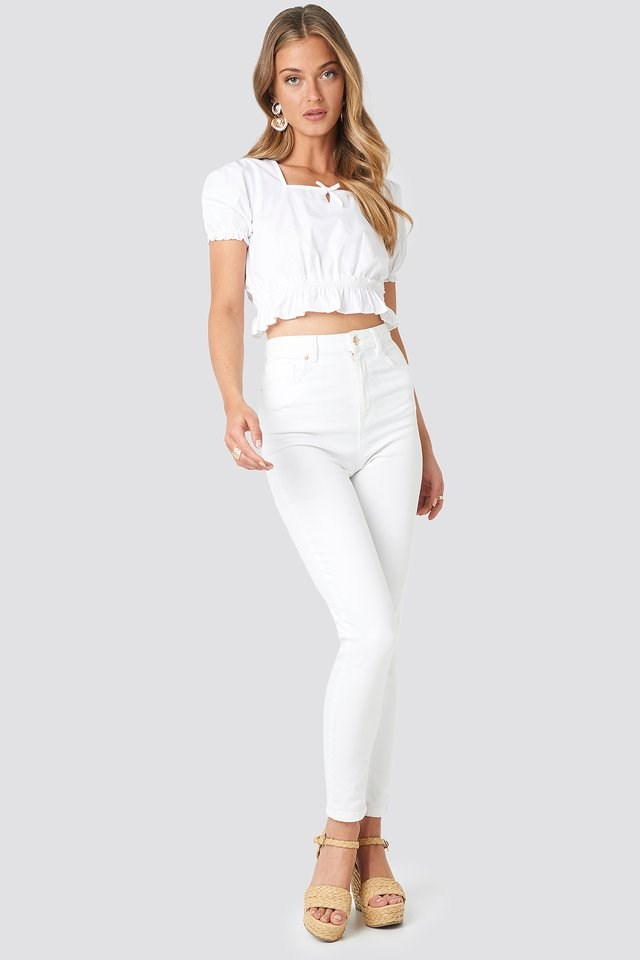 Cropped Frill Short Sleeve Top Outfit.