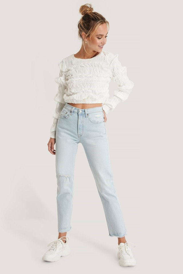 501 Crop Jeans Blue Outfit.