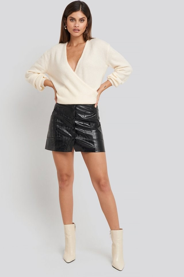 Embossed Croco Pu Mini Skirt Outfit.