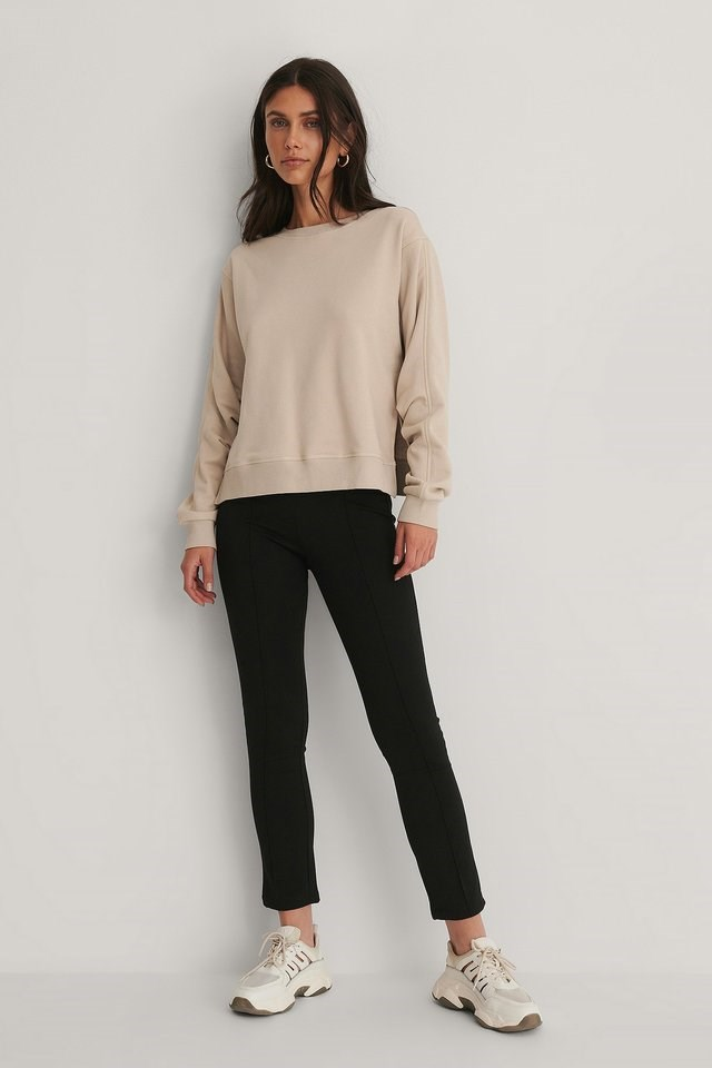 Rouched Sleeve Sweatshirt Outfit.