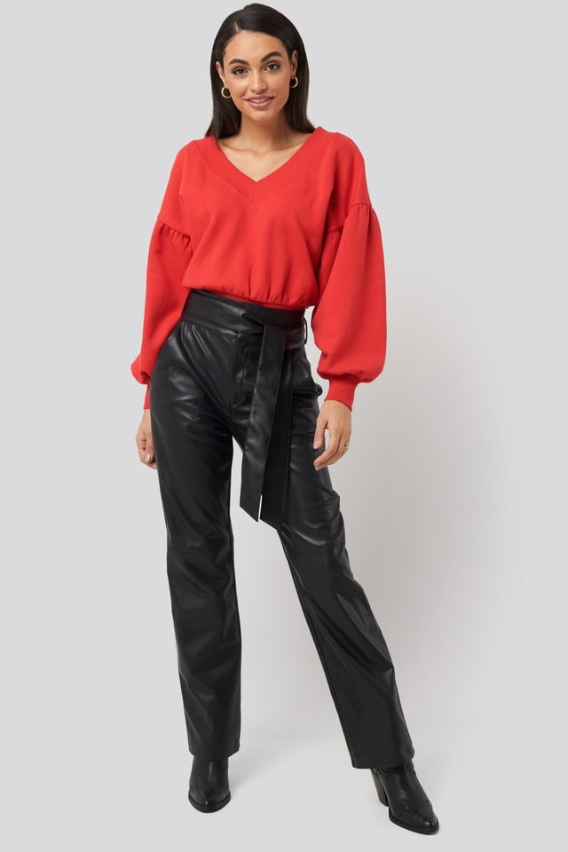 Puff Sleeve V-neck Sweatshirt Outfit.
