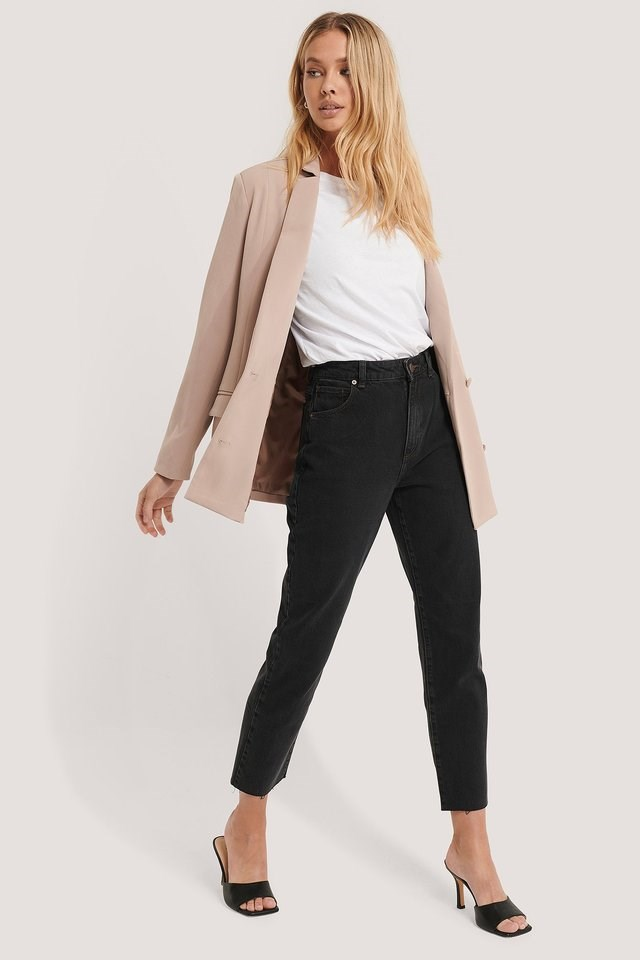 A 90 High Slim Jeans Black Outfit.