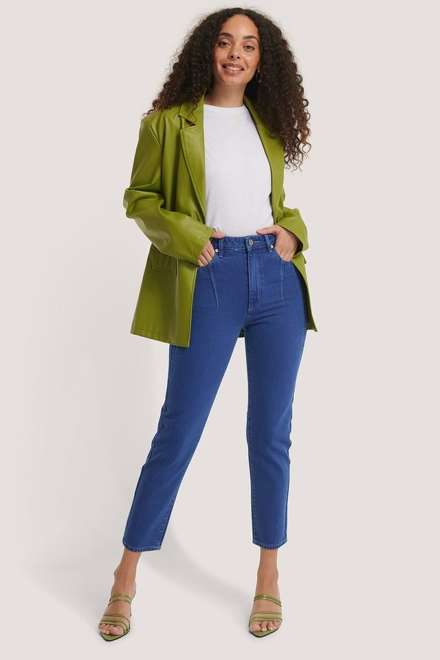 A 94 High Slim Jeans Blue Outfit.