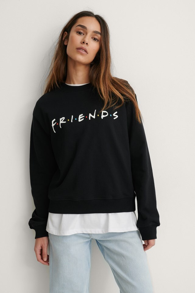 FRIENDS Print Basic Sweater Outfit.