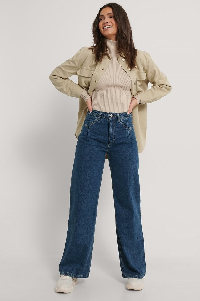 Pleated High Waist Wide Leg Jeans Blue Outfit.