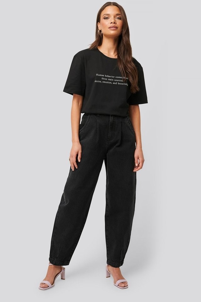 Front Dart Slouchy Jeans Black Outfit.