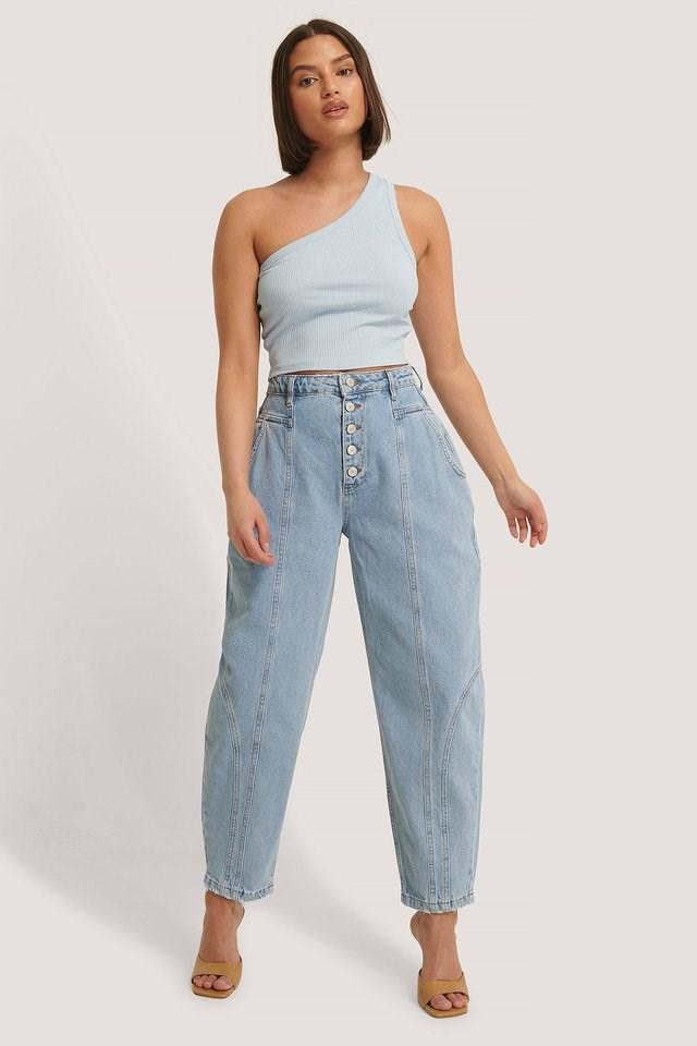 Buttoned High Waist Balloon Jeans Blue Outfit.