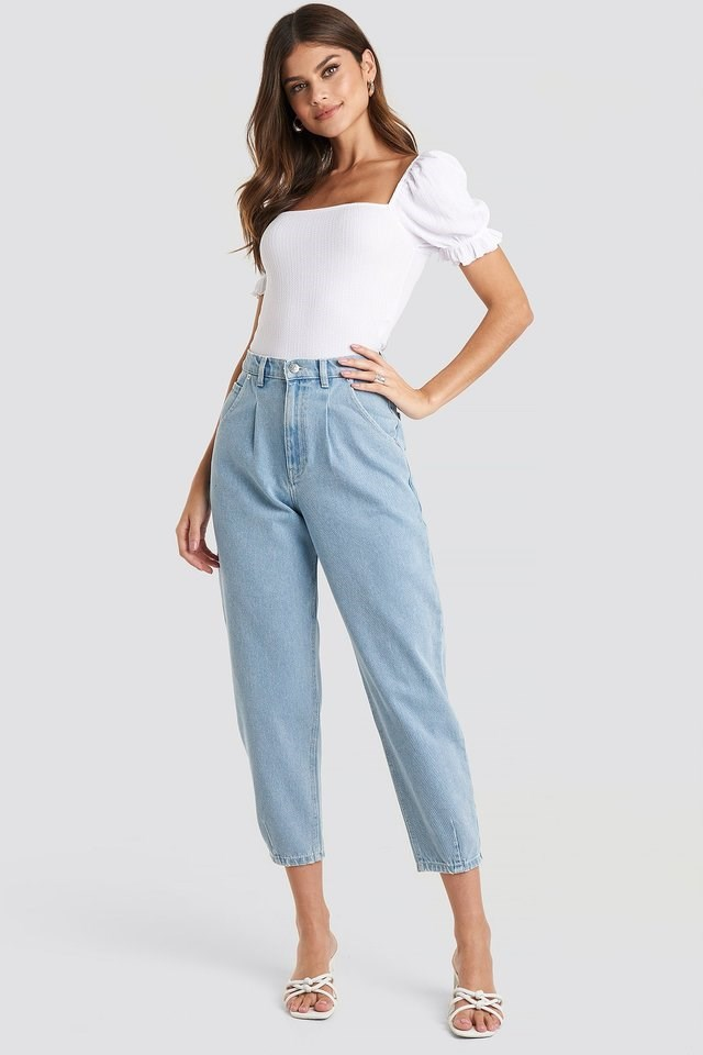 Cropped Balloon Leg Jeans Blue Outfit.