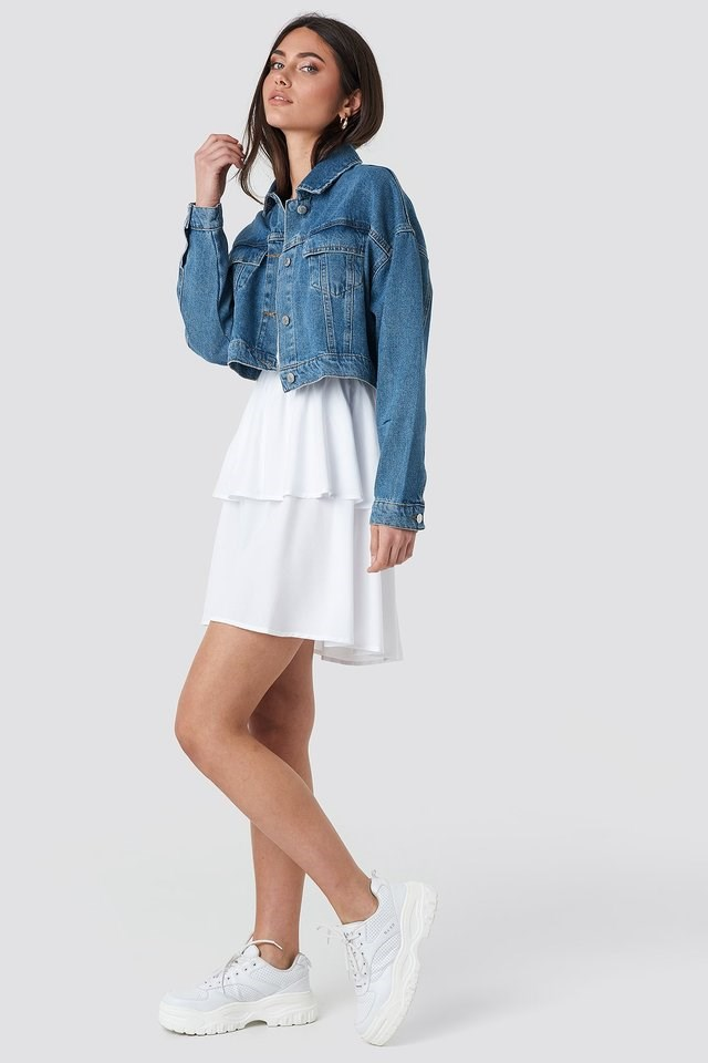 Cropped Regular Hem Denim Jacket Blue Outfit.