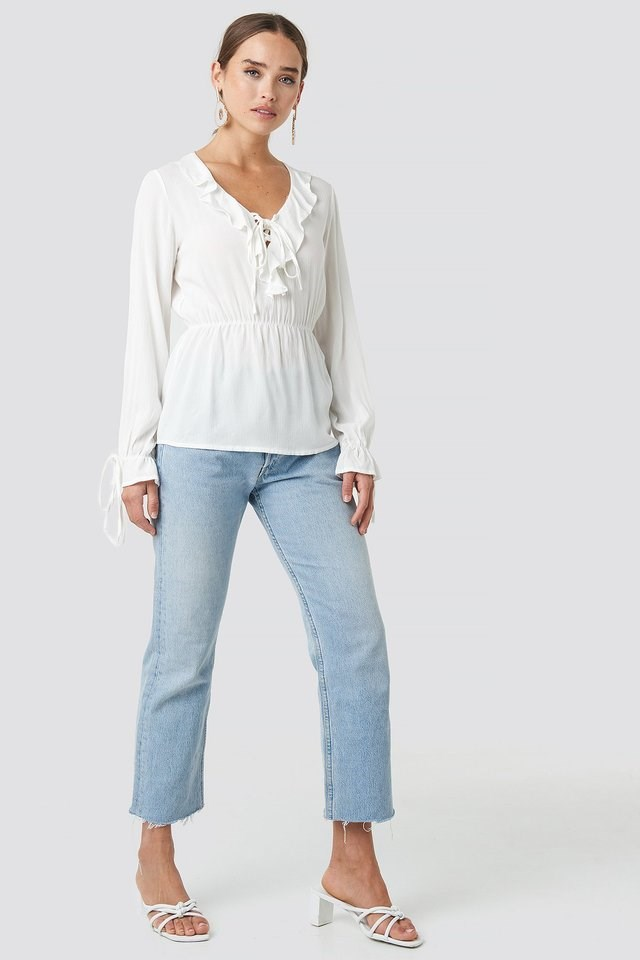 Yol Frilly Blouse Outfit.