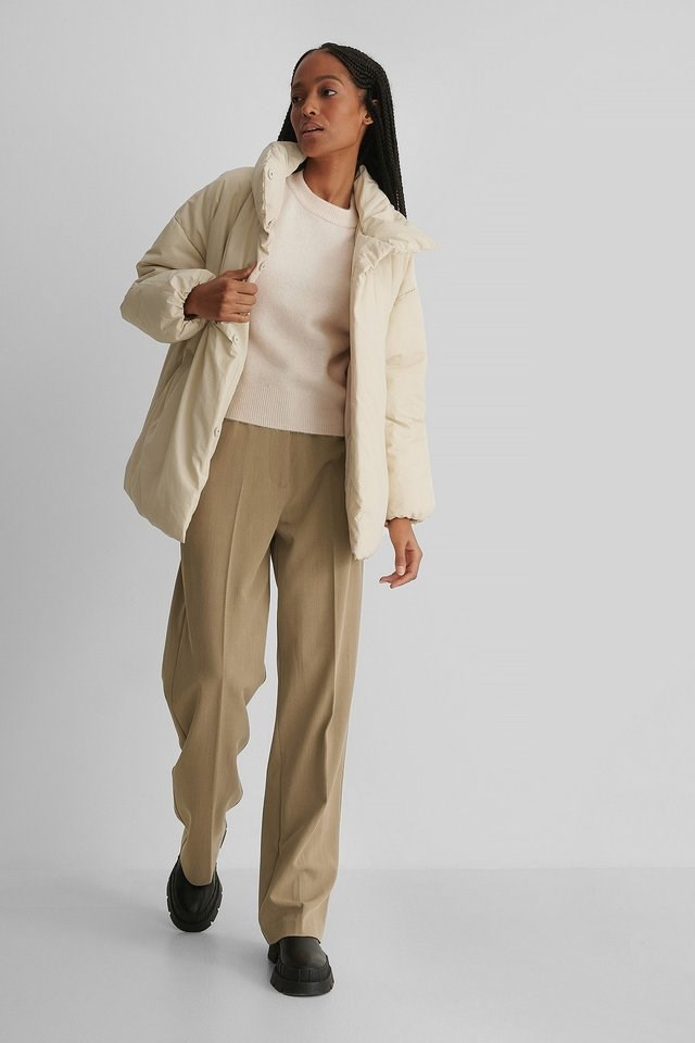 Nata Anorak Beige Outfit.