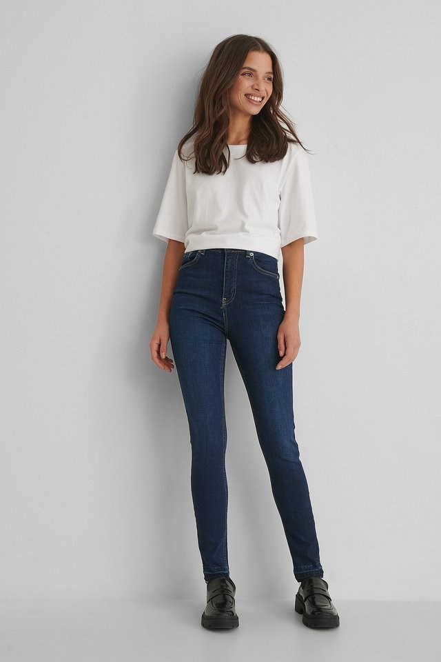 Skinny High Waist Open Hem Jeans Blue Outfit.
