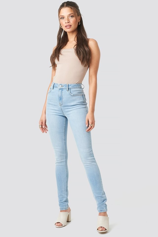 High Waist Skinny Jeans Blue Outfit.