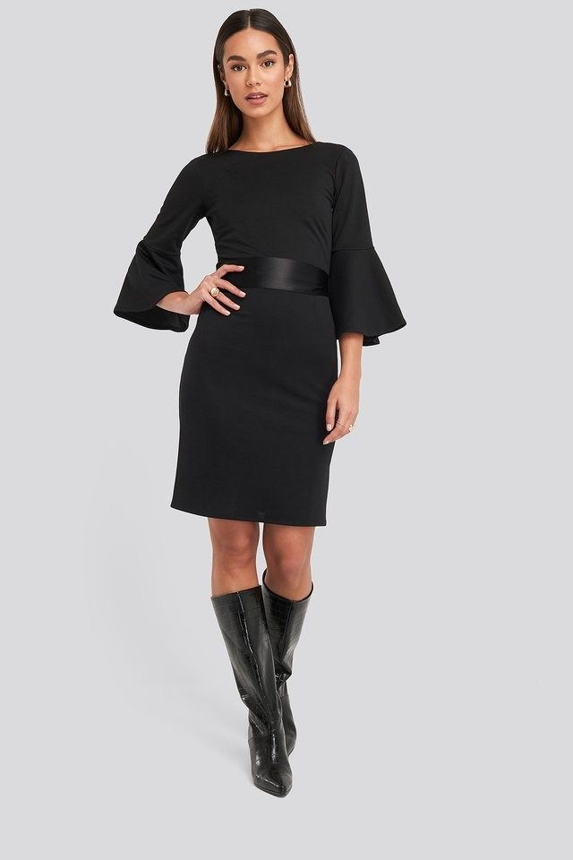Belted Flute Sleeve Bodycon Dress Outfit.