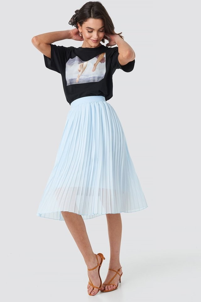 Midi Pleated Skirt Outfit.